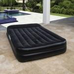 Двуспальная надувная кровать Bestway 67403 Premium + насос (203х152х46см)